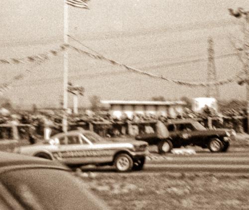 Dick Mack's Chevelle defeats Bob DuBrock's Mustang